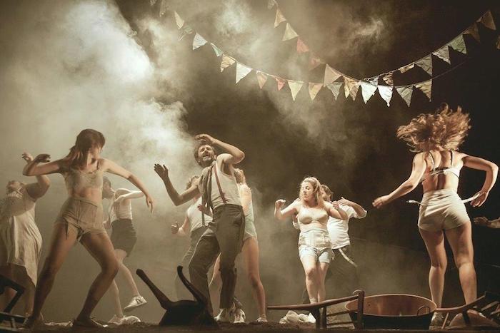 Algunos de los actores de 'Danzad, Malditos' (www.teatroespanol.es)