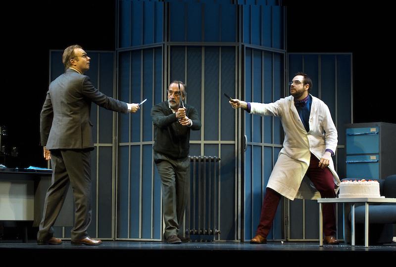 Tristán Ulloa (i), Gonzalo de Castro (c) y Jorge Usón protagonizan 'Invernadero'