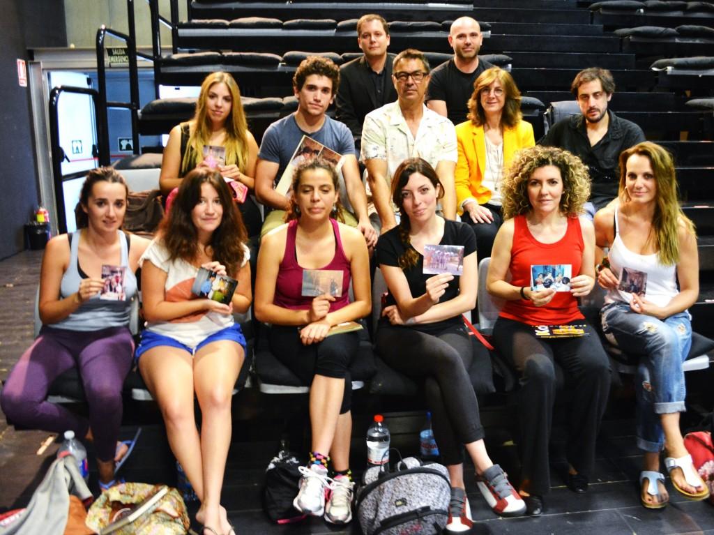 Los alumnos del taller, junto a los organizadores y a la directora general Marta López-Briones