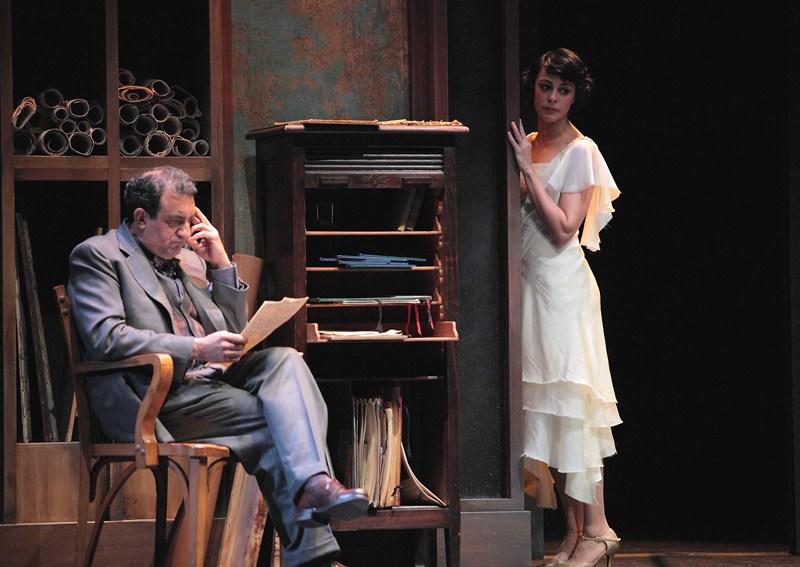 Juanjo Cucalón y Sara Casasnovas, durante una actuación de 'Paradero desconocido'