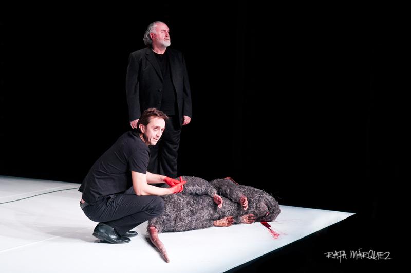 Carreras y Benito, en el escenario del Teatro Circo Murcia. FOTOGRAFÍA: RAFA MÁRQUEZ
