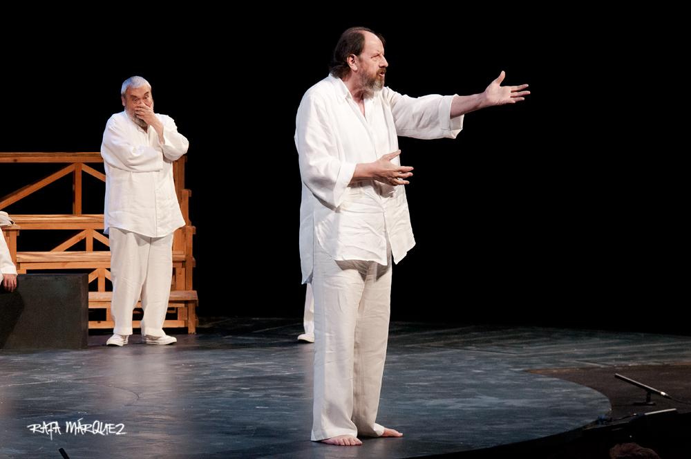 Josep Maria Pou, durante la representación // RAFA MÁRQUEZ